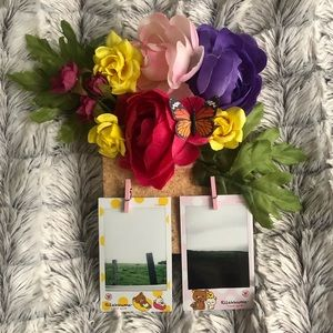 Polaroid Message Flower Holder